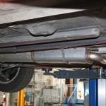 Bei dem neuen Auspuff werden die Abgase seitlich abgeleitet. Das spart Platz.