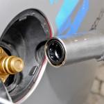 Da es keinen Benzintank mehr gibt, kann das Gegenstück zum Euronozzle im HTW-Versuchsfahrzeug dauerhaft unter der Tankklappe platziert bleiben. Foto: Projekt-S1000plus/Fontaine