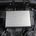 Das von Automotive Powertrain selbst entwickelte Steuergerät wurde vorne links im Motorraum platziert.